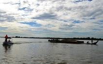 Lật ghe giữa sông Thu Bồn, 5 người mất tích