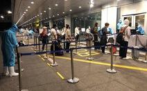 Chuyến bay đầu tiên đưa hơn 340 công dân Việt Nam từ Mỹ về nước