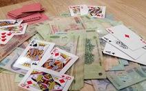 Tạm giữ hình sự phó chủ tịch UBND huyện vì đánh bạc