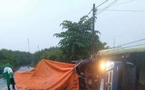 Xe tải tông nhóm công nhân đang thi công đường, 1 người chết