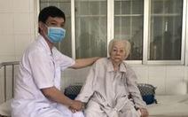 Thay khớp háng thành công cho cụ bà 103 tuổi