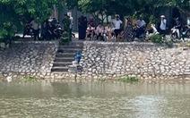 Tìm thấy thi thể người đàn ông bơi qua bơi lại trên sông để... tự tử