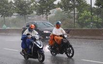 Bão số 1 mạnh lên, cách Hoàng Sa 450km, TP.HCM đã có mưa, gió