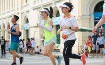 Trực tiếp: Chạy bộ quanh bờ hồ Hoàn Kiếm hưởng ứng 'Ngày không tiền mặt 2020'