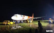 Máy bay trượt đường băng được giải cứu, sân bay Tân Sơn Nhất trở lại bình thường