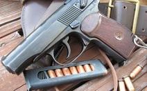 Bắt nghi phạm bị truy nã mang theo súng và 14 viên đạn