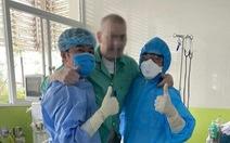 Bệnh nhân phi công người Anh tự thở bình thường, 'nóng lòng được về quê nhà'