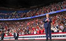 Thêm 2 nhân viên trong chiến dịch tranh cử của ông Trump mắc COVID-19