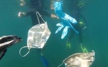 Rác khẩu trang, găng tay 'bơi' đầy đại dương