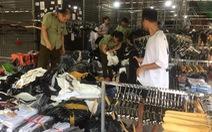 Hàng hiệu Lacoste, Louis Vuitton, Gucci... giả tràn khắp chợ Ninh Hiệp