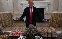 Tổng thống Trump tăng cân, hơi béo phì nhưng vẫn khỏe mạnh