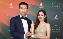 Ký sinh trùng và Khi hoa trà nở thắng đậm giải phim Baeksang Hàn Quốc