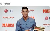 Ronaldo trở thành cầu thủ bóng đá đầu tiên kiếm được 1 tỉ USD