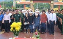 An táng 17 hài cốt chiến sĩ đặc công hi sinh tại sân bay Khâm Đức