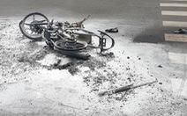 Cướp giật tài sản rồi quăng cả xe máy bỏ chạy cũng không thoát