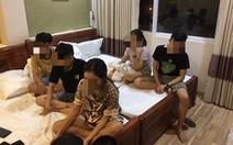 Nam thanh nữ tú thuê khách sạn để soạn 'tiệc ma túy'