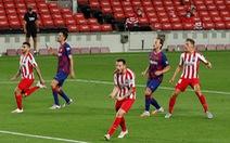 VAR và trọng tài giúp Atletico Madrid cầm chân Barca tại Nou Camp