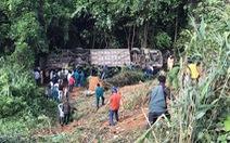 Xe khách rơi vực lúc rạng sáng 11-7, 6 người chết, nhiều người bị thương