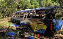 Xe khách rơi vực lúc rạng sáng 11-7, 5 người chết, nhiều người bị thương