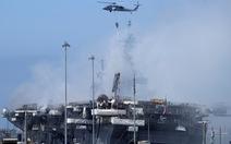 Hai ngày vẫn chưa dập xong đám cháy tàu tấn công đổ bộ USS Bonhomme Richard