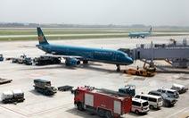 Cục Hàng không vừa chấn chỉnh, xe chở suất ăn đã cắt đuôi máy bay đang lùi