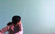 Phụ huynh lo lắng vì trường mầm non mới xây đã nứt