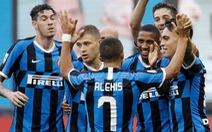 Đại thắng Brescia, Inter tiếp tục bám đuổi Juventus