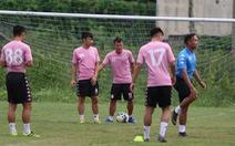 Bộ đôi vô địch AFF Cup 2008 Tấn Tài - Thành Lương 'tái hợp' trong buổi tập ở TP.HCM