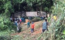 Khởi tố tài xế xe khách rơi xuống vực làm 6 người chết ở Kon Tum