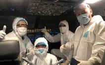 Đón chuyến bay 'đặc biệt' đưa 120 bệnh nhân COVID-19 về Việt Nam