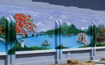 Ngắm sông Hương trên bích họa ở làng ngoại ô Huế
