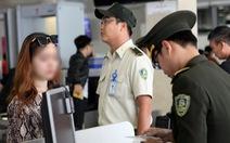 2 người nhập cảnh lậu từ Trung Quốc 'suýt lên máy bay' khai đi nhóm 7 người