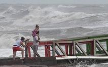 Bão Hanna làm lở đất tại bang Texas, 2 trận bão khác chờ nối đuôi vào Mỹ