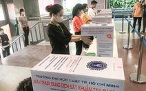 COVID-19 trở lại, trường đại học ở TP.HCM yêu cầu người về từ Đà Nẵng không đến trường