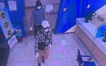 Công bố ảnh 2 nghi phạm nổ súng cướp 900 triệu đồng ở ngân hàng BIDV