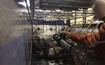 Giải cứu xe tải bốc cháy trong hầm Hải Vân