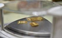 Vàng thế giới lao dốc, trong nước cao hơn 'khủng' 3,42 triệu đồng/lượng