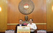 Bảo hiểm BSH ủng hộ 700 triệu đồng cho cuộc chiến chống COVID-19 tại miền Trung