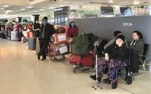 Thêm hơn 350 người Việt từ Úc, New Zealand về tới Tân Sơn Nhất