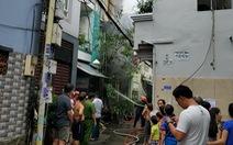 Nhà khóa trái cửa ở Tân Bình bất ngờ phát cháy, công an đang phong tỏa
