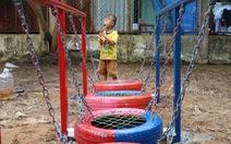 Dùng lốp xe cũ làm sân chơi tái chế cho trẻ em