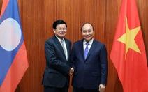 Thủ tướng Nguyễn Xuân Phúc hội đàm trực tiếp với Thủ tướng Lào