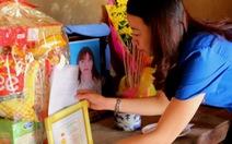 Truy tặng huy hiệu 'Tuổi trẻ dũng cảm' cho cô gái cứu người đuối nước