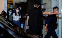 Hong Kong bắt thêm cô bạn của Hoàng Chi Phong