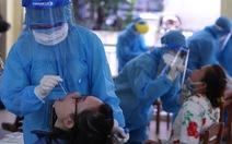 Xét nghiệm COVID-19 miễn phí cho gần 1.700 du khách mắc kẹt ở Đà Nẵng