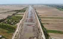 Nạo vét, rửa mặn hồ nước ngọt 1 triệu m3 nước lớn nhất miền Tây