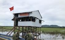 Chốt nhà sàn vượt lũ của biên phòng An Giang để chống dịch COVID-19