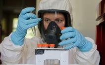 Dịch COVID-19 sáng 13-8: Nga công bố giá vắcxin, Anh giảm bớt 5.000 ca tử vong