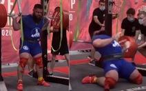 Không lượng sức, lực sĩ Nga gãy 2 đầu gối khi cố nâng mức tạ 400kg