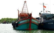 Bắt tàu chở 150.000 lít dầu không có giấy tờ